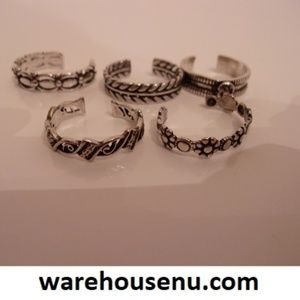 Five Silver Adjustable Rings  10231904
